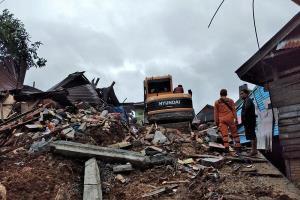 شمار کشتههای زلزله اندونزی به ۶۷ نفر افزایش یافت