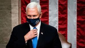 سناتور جمهوری خواه: آشوبگران قصد جان مایک پنس را داشتند
