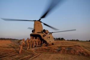 کاهش نظامیان آمریکا در عراق و افغانستان به ۲۵۰۰ سرباز