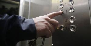 آمار بالای حبس در آسانسور در کرمانشاه به دلیل قطعی برق