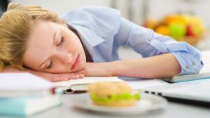 خوردنی ها و نوشیدنی های مناسب فصل امتحانات