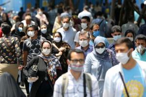 تجمع بدون فاصله اجتماعی حتی با ماسک موجب افزایش بیماری میشود