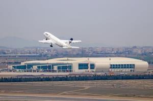 فرودگاه همدان پرواز مسافری ندارد