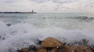 وزش باد پدیده غالب هرمزگان؛ دریا کمی مواج است