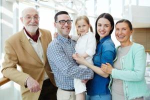 برخورد زنان با سیاست با بی احترامی خانواده همسر