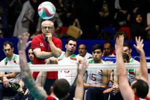 فقط با تیمهای هم وزن والیبال نشسته ایران بازی میکنیم