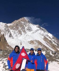 پایان ماموریت غیرممکن؛ صعود به قله وحشی در زمستان