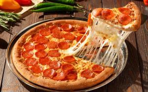 توصیف دقیقه به دقیقه بدن بعد از خوردن یک برش پیتزا