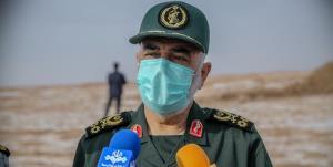 سرلشکر سلامی: یکی از راهبردهای دفاعی ما هدف قراردادن ناوهای دشمن با موشک بالستیک است