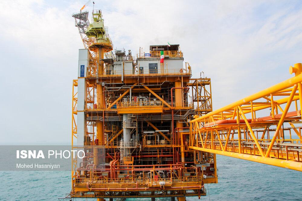 میدان نفتی «سروش» در بندر دیلم