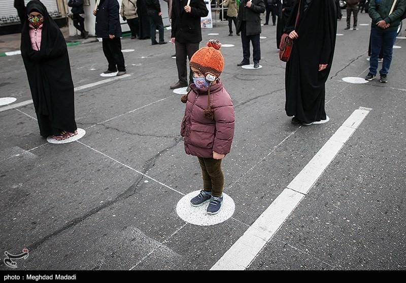 عکس/ رعایت فاصله عزاداران فاطمی در میدان هفت تیر