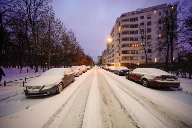 بارش برف در ورشو لهستان