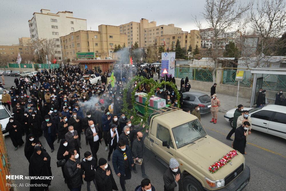 مراسم تشییع پیکر دو شهید گمنام در شهرک شهید بهشتی تهران