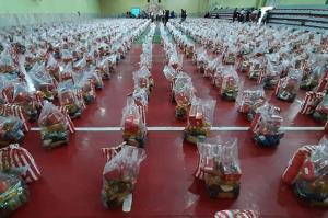 ۵۰۰۰ بسته معیشتی و بهداشتی در دلگان توزیع شد