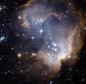 حضور یک خوشه ستارهای در اطراف ابر ماژلانی کوچک