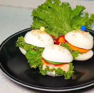 تخم مرغ ویچ فوری با ترفند شگفت انگیز پوست کندن تخم مرغ