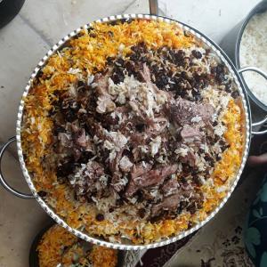 طرز تهیه سنتی ته چین گوشت؛ غذای نذری گرمسار