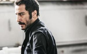 اشک ریختن یک کارگردان با بازی نوید محمدزاده