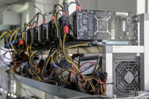 توقیف ۶۷ دستگاه ماینر قاچاق در شاهین شهر