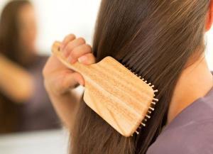 ۱۰ داروی خانگی شگفت آور برای موهای آسیب دیده