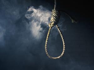بخشش مادر، قاتل جوان را از طناب اعدام رها کرد