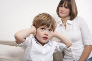 چطور پرخاشگری کودک را کنترل کنیم؟
