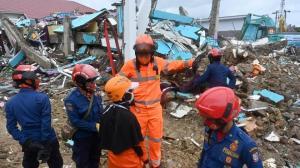 افزایش شمار قربانیان زلزله اندونزی به ۷۳ تن