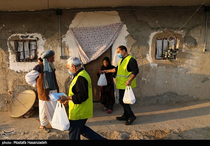 عکس/ تهیه و توزیع غذای گرم برای نیازمندان در گلستان