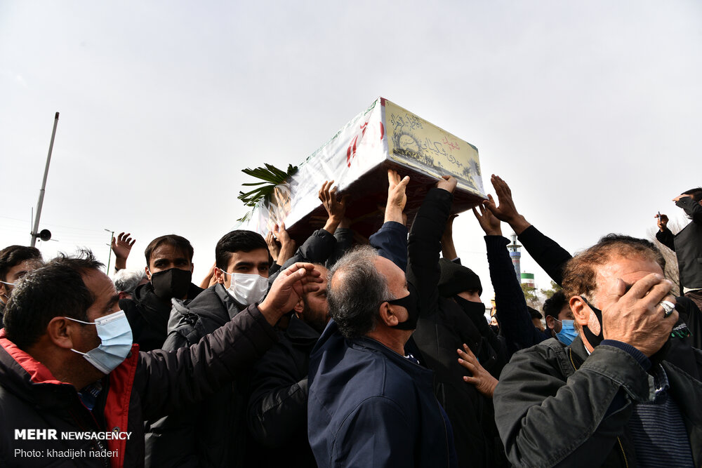 عکس/ مراسم تشییع پیکر مطهر ۴ شهید دفاع مقدس در اصفهان