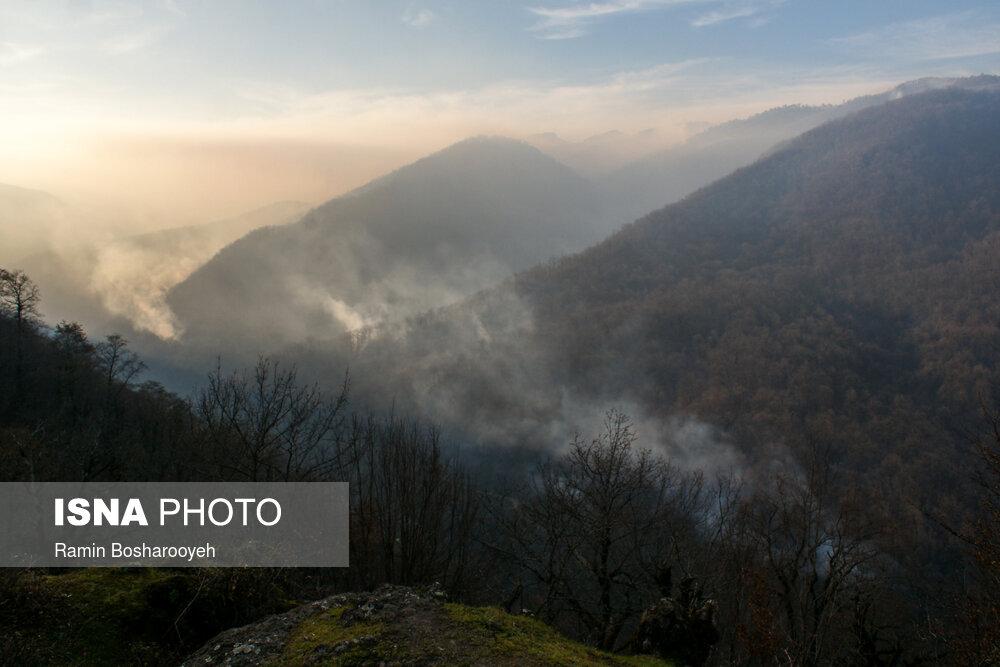 عکس/ حریق جنگل های آذربایجان هم مرز آستارا