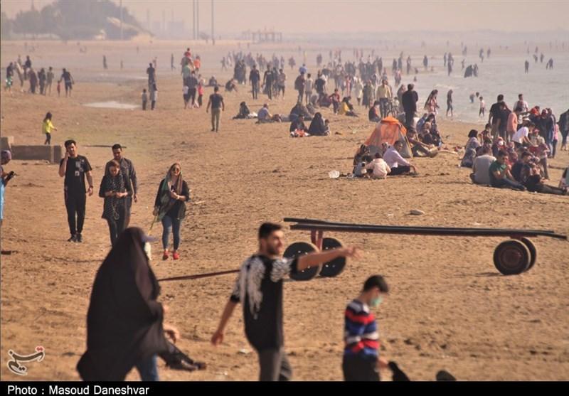 عکس/ هجوم مسافر به سواحل بندرعباس و نگرانی از موج بعدی کرونا