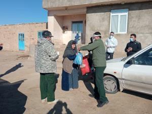 ۷۰۰ بسته غذایی در مهاباد توزیع شد