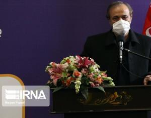 رزم حسینی: سیاست وزارت صنعت رقابتی ساختن خودرو سازی است