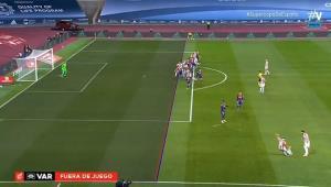 VAR به داد بارسلونا در فینال رسید