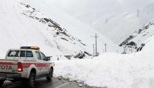 بارش برف در ۱۳ استان؛ کوهنوردی نکنید