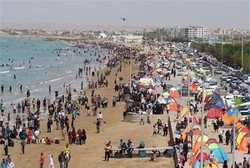 ساحل شلوغ بندرعباس؛ انگار نه انگار که کرونا هست!