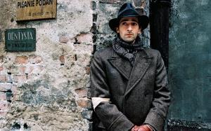 قطعه «بالاد در سل مینور» اثری از فردریک شوپن در سکانسی حیرت انگیز از فیلم پیانیست