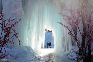 آبشار دیدنی یخ زده در شرق چین