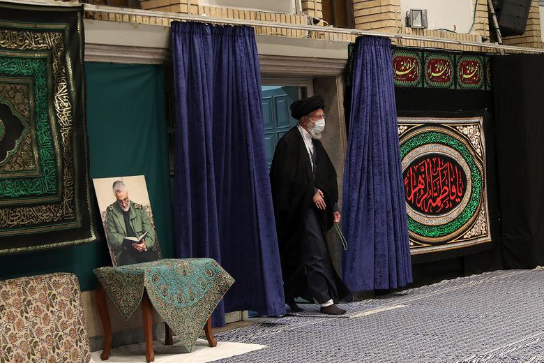 آخرین شب مراسم عزاداری در حسینیه امام خمینی(ره)