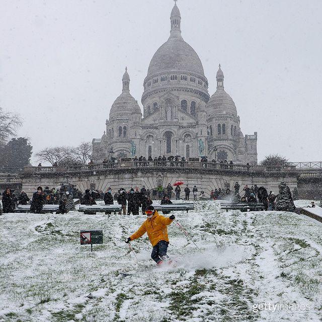 یک روز برفی در پاریس