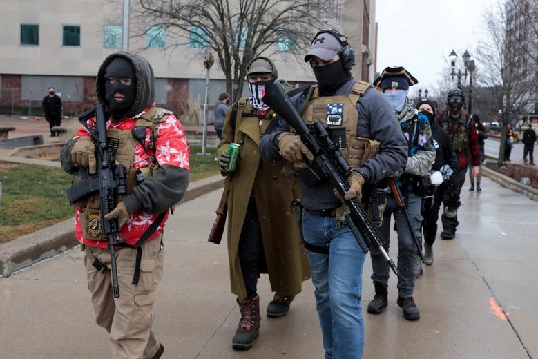 عکس/ رژه گروه های مسلح مخالف بایدن در واشنگتن