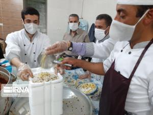 ۱۰ هزار پرس غذای گرم در زاهدان توزیع شد