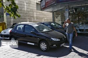 مشتریهای بازار خودرو منتظر کاهش بیشتر قیمتها