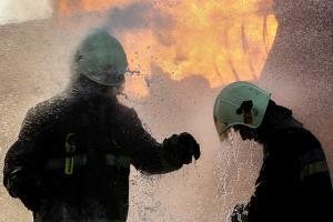 آتش سوزی وسیع یک بارانداز در میدان شوش تهران؛ حریق مهار شد