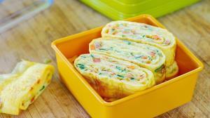 املت رولت تخم مرغ و سبزیجات کره ای محبوب و سریع