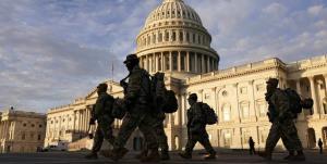 برکناری دو نیروی امنیتی آمریکا به دلیل ارتباط با معترضان مسلح
