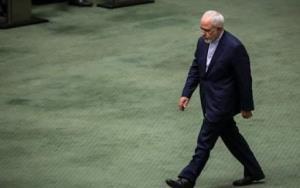 ظریف در یک روز از مجلس دو کارت زرد گرفت