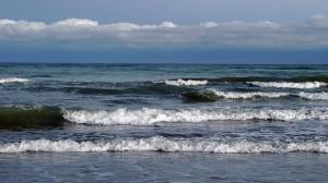 دریای خزر طوفانی میشود
