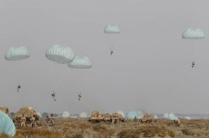 رزمایش اقتدار 99 نزاجا در سواحل مکران؛ تیپ هوابرد ارتش دشمن را انگشت به دهان گذاشت