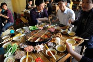رستورانی در چین با بشقاب پرنده!
